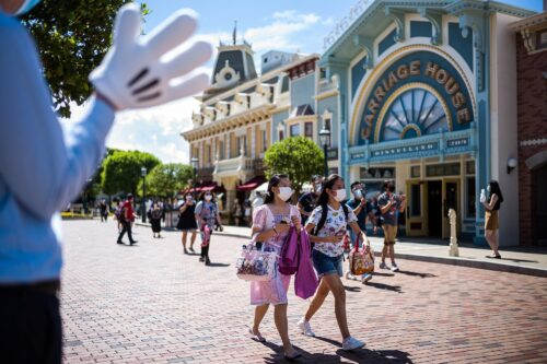 Hong Kong Disneyland To Close Its Gates Again