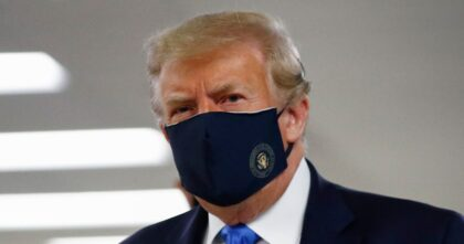 Donald Trump Finally Wears Facemask