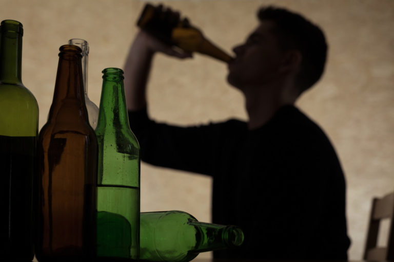 9 Signs That Show You Have A Drinking Problem